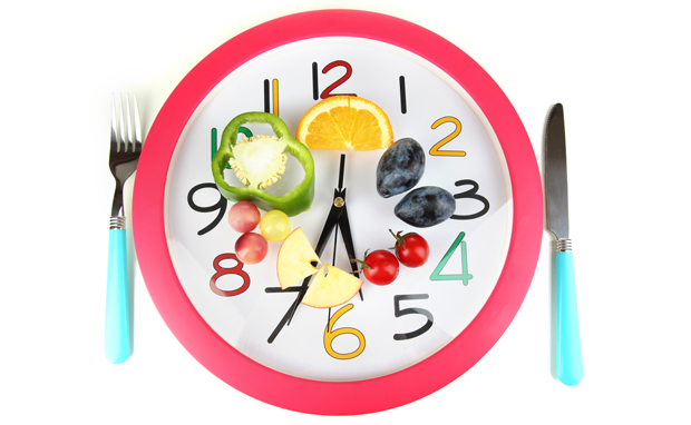 Ingerir alimentos de forma espaciada o cada 3 horas ayudar a bajar de peso o al sobrepeso. COMER CADA TRES HORAS PUEDE AYUDAR A REDUCIR EL SOBREPESO